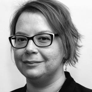 Jenii Lowe Professional Headshot